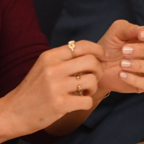 Duchess Meghan Markle wears Vargas Goteo Manta Kiss Stack Ring and Vargas Goteo Gold Bow Knot Ring